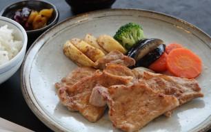相模ポークの生姜焼き定食
