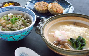 湯葉鍋と炊き込みご飯